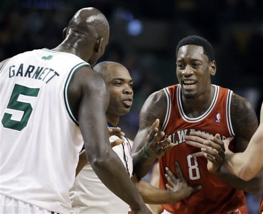 Garnett, Rondo (triple-double) lead Celts by Bucks