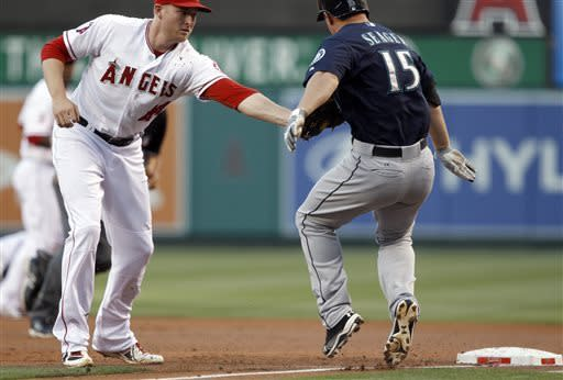 Trout hits for cycle, drives in 5, Angels rout M's