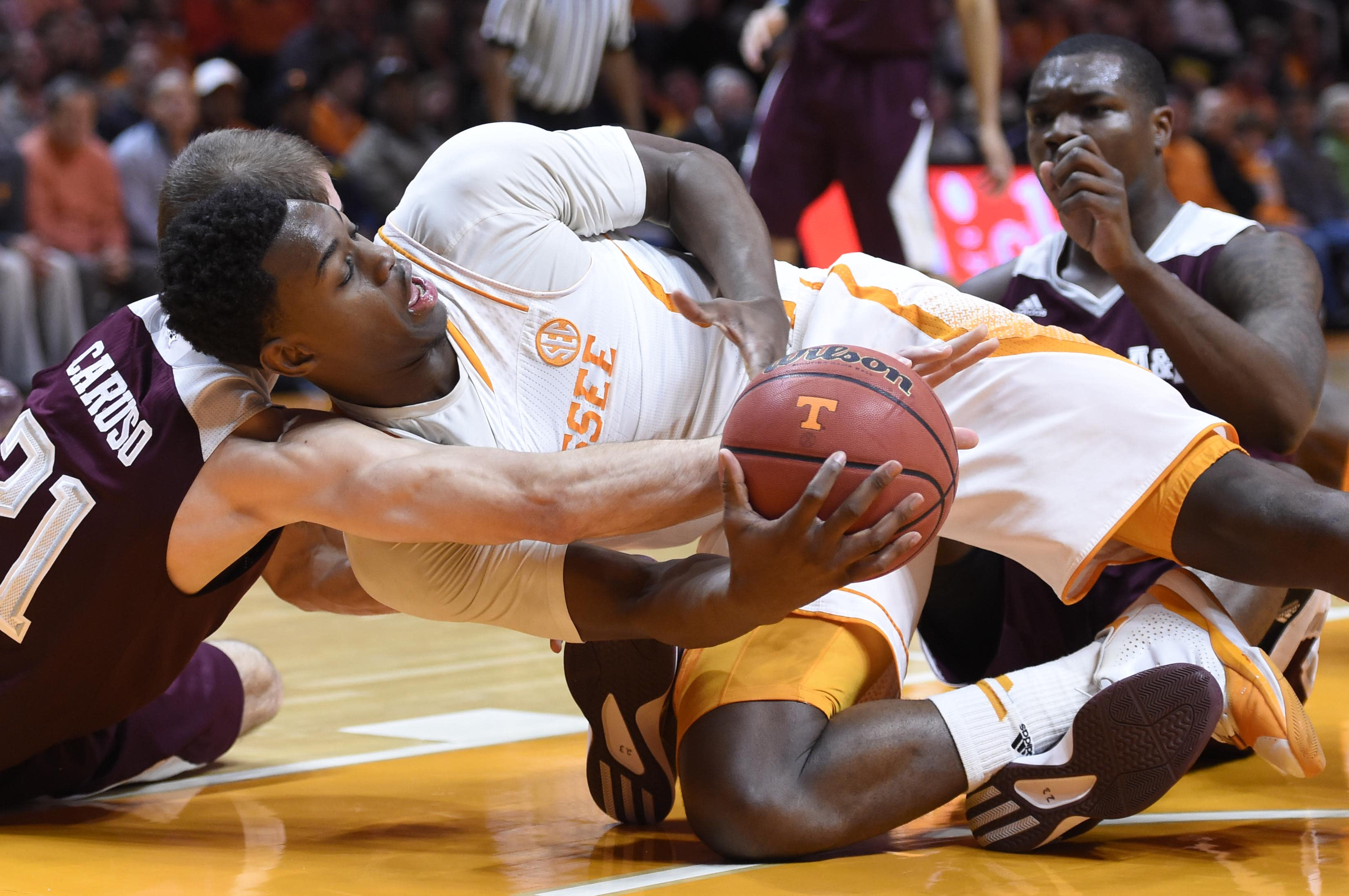 Tennessee faring better away from home thus far in SEC play