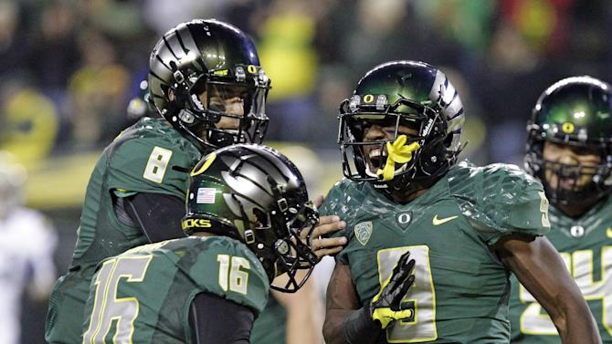 Oregon edges past Florida State in BCS standings