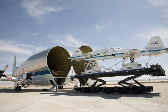 NASA 'Super Guppy' Swallows Supersonic NASA Jets (Photos)
