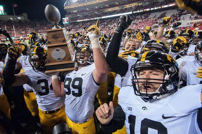 College football rankings: 3 Big Ten teams in top 6 of Coaches Poll