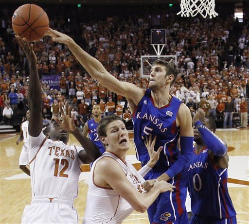 Withey's three-point play lifts Kansas over Texas