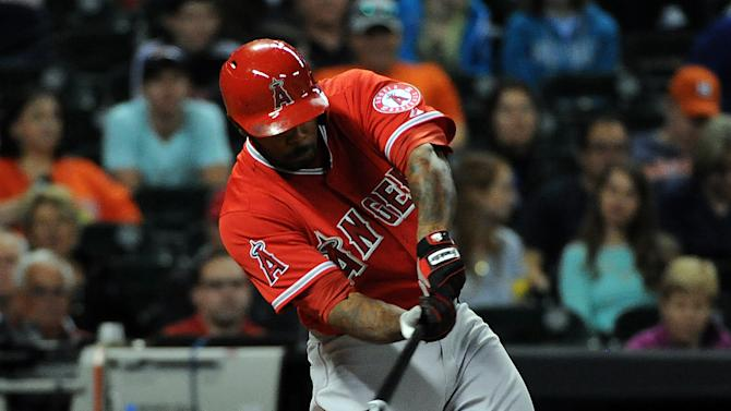 Hamilton hits 3-run homer, Angels rout Astros 11-1