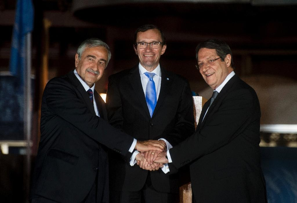 Cyprus leaders agree on new crossings on divided island