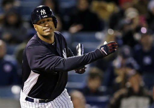 Wells drives in run in debut, Yanks and Astros tie