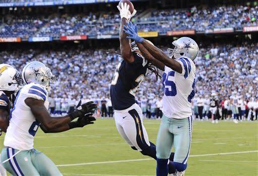 Wright electrifies Bolts with INT return