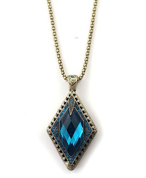 Fake Diamonded Pendant Necklace, $9.90 at chicnova.com