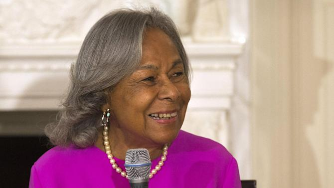 """Rachel Robinson, widow of baseball great Jackie Robinson, speaks to a workshop for high school and college students with cast members of the movie """"42"""" in the State Dining Room of the White House in Washington, Tuesday,April 2, 2013. (AP Photo/Jacquelyn Martin)"""