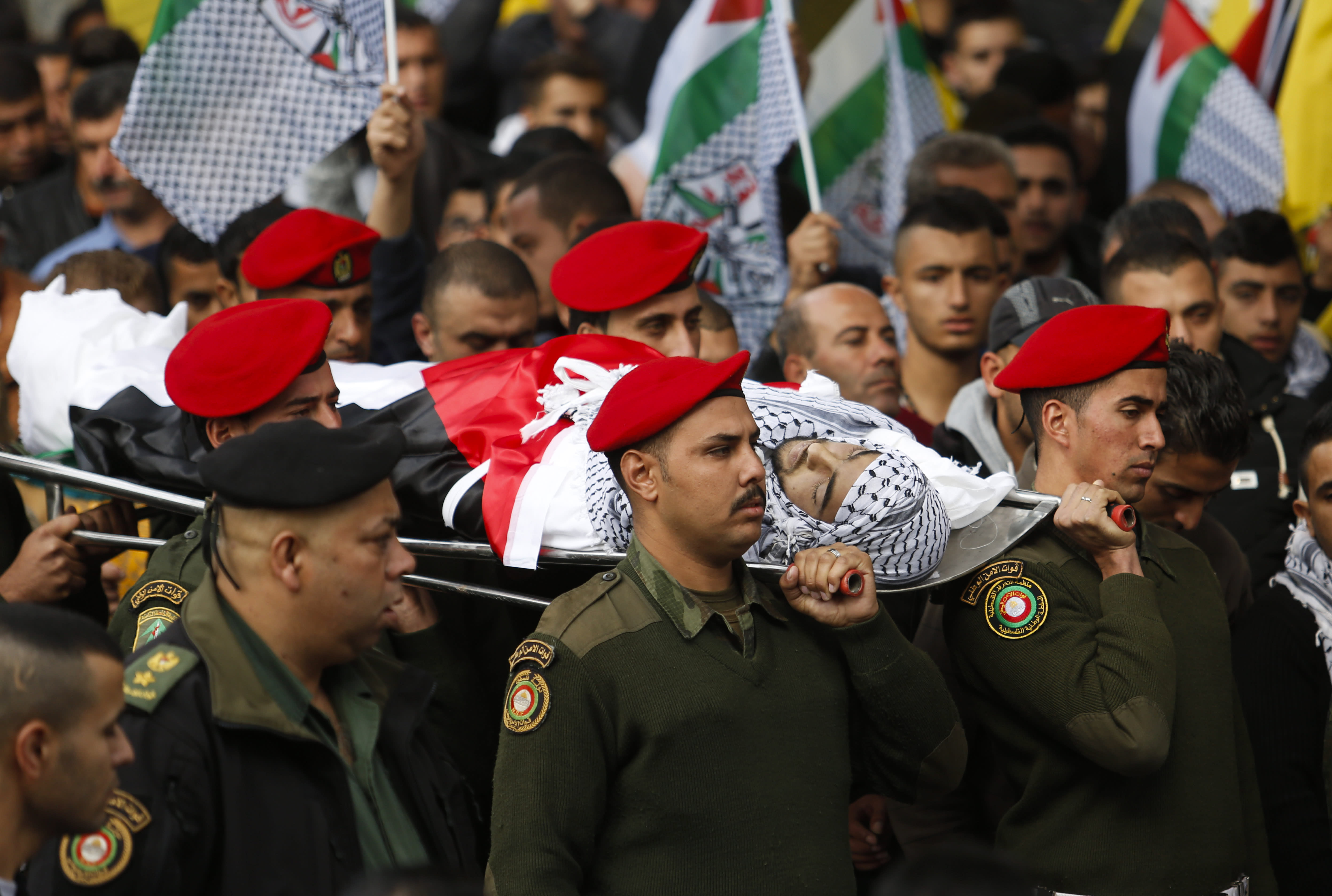Israel to build new fence; 2 Palestinians die in West Bank