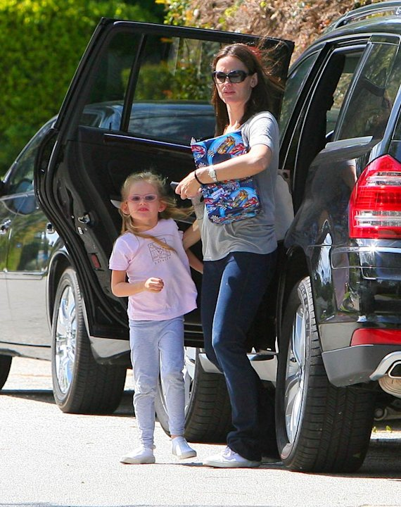 Jennifer Garner Violet Mothers Day