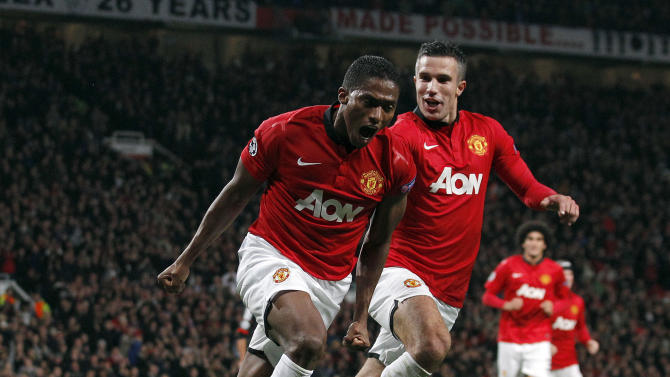 Manchester United projects another revenue record