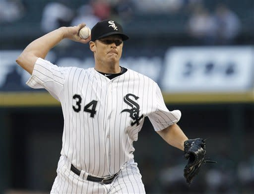 Danks hits 1st career HR in 9th, White Sox top A's