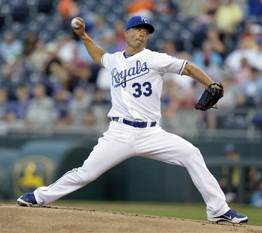 Guthrie pitches Royals past Tigers 2-1 for sweep