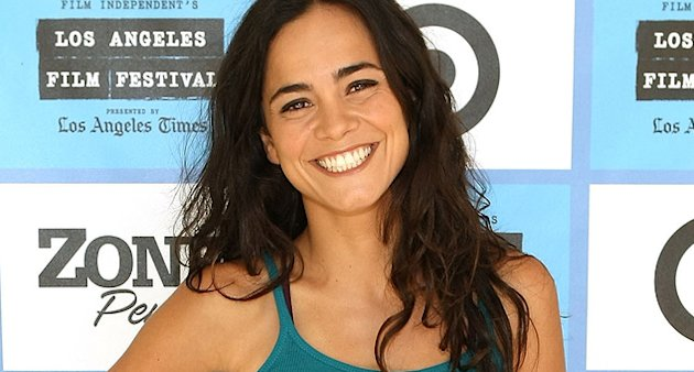 Alice Braga thumb