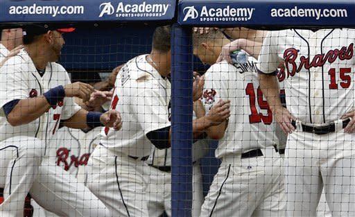 Uggla's HR powers hot Braves past Blue Jays, 5-2