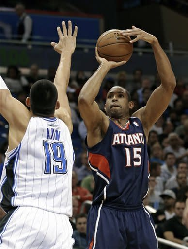 Smith's 30 points leads Hawks past Magic 108-76