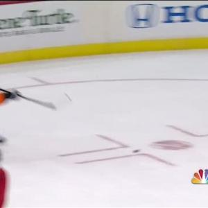 Giroux fires a laser top-shelf past Holtby