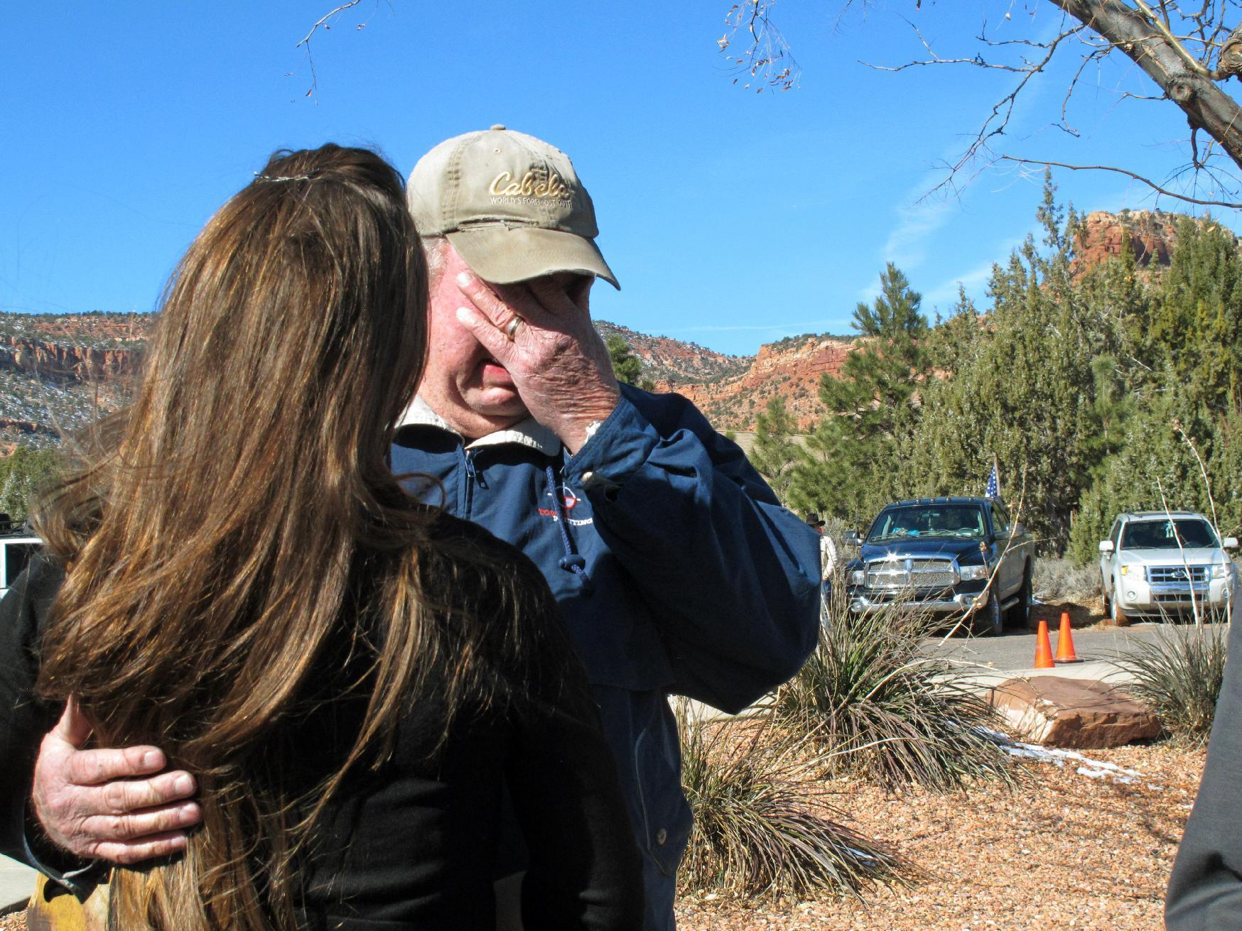 Pickups and American flags: Supporters mourn Oregon occupier