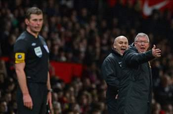 Wenger calls out Ferguson for touchline behavior