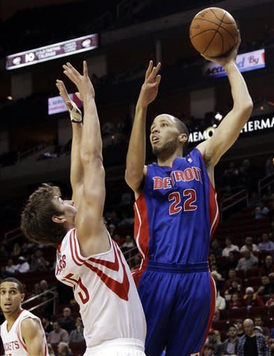 Rockets beat Pistons for fourth straight win
