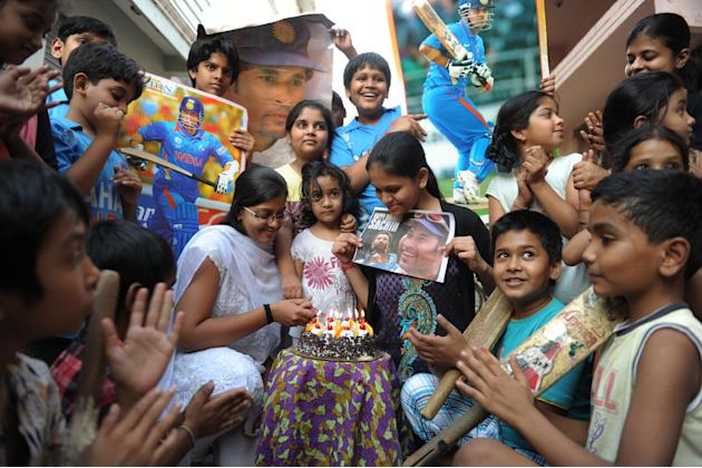 INDIA-CRICKET-TENDULKAR-BIRTHDAY
