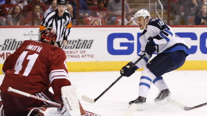 Little, Jets rout Coyotes 6-2 in opener