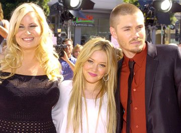 Premiere: Jennifer Coolidge, Hilary Duff and Chad Michael Murray at the Hollywood premiere of Warner Brothers' A Cinderella Story - 7/10/2004