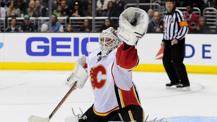 Flames get late goal for 2-1 win over Kings