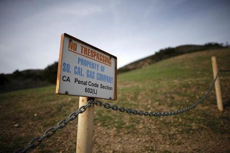 California utility 'temporarily controls' leaking gas flow