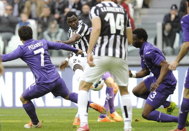 Juventus' Kwadwo Asamoah shoots to score against Fiorentina during their Italian Serie A soccer match in Turin