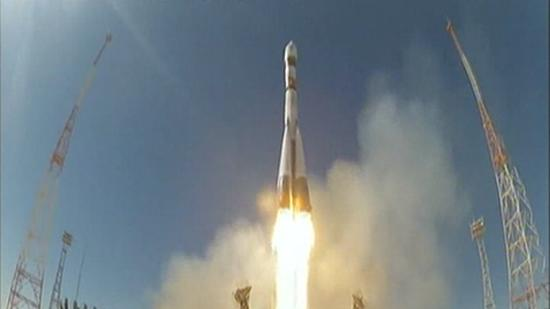 Russia Launches Animals Into Space on One-Month Journey