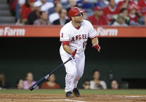 Angels beat Dodgers for split of Freeway Series