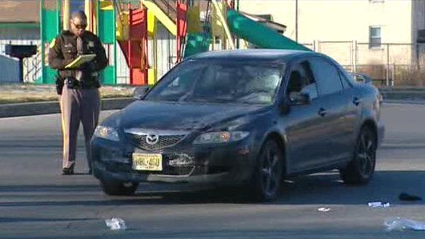 Father, 33, and daughter, 3, struck by car in Newark, Delaware
