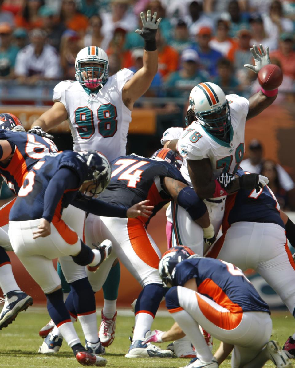 Denver Broncos' Matt Prater (5) misses a field goal during the first half of an NFL football game against the Miami Dolphins, Sunday, Oct. 23, 2011, in Miami. (AP Photo/Lynne Sladky)