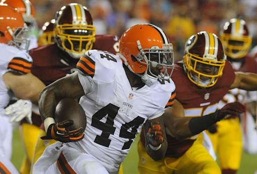 Browns running back Ben Tate practices, could play