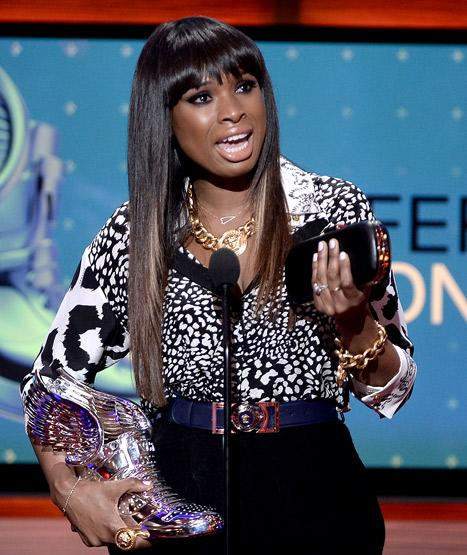 Jennifer Hudson Cries Remembering Late Nephew at Do Something Awards