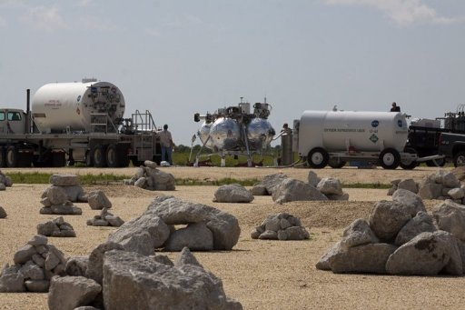&lt;p&gt;NASA handout image shows the Morpheus lander (C) being fueled at Cape Canaveral, Florida. The experimental Moon lander crashed and burst into flames seconds after takeoff due to a hardware fault, the US space agency said, prompting an investigation but no casualties.&lt;/p&gt;
