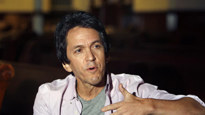 Mitch Albom switches publishers, has 3-book deal