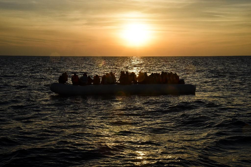 New Med migrant boat disaster leaves 180 dead