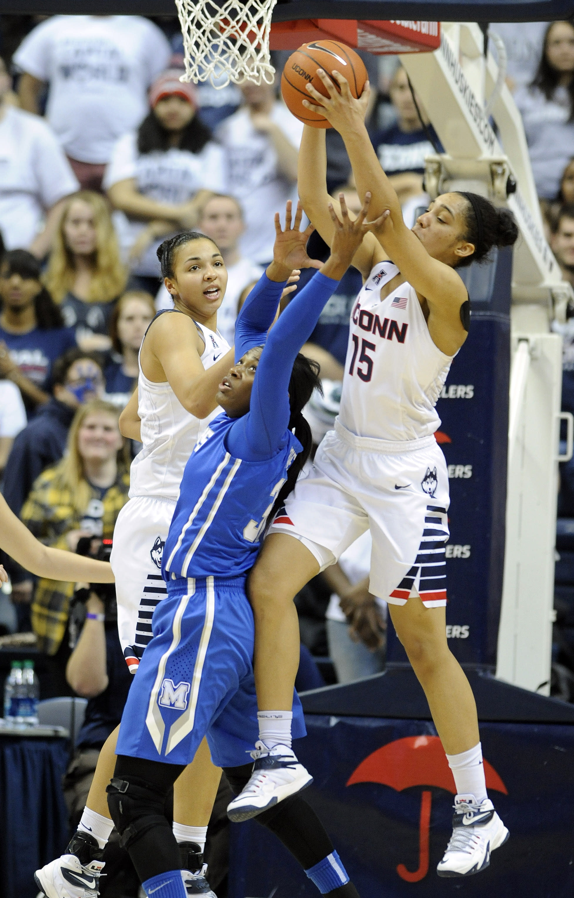 No.1 UConn routs Memphis 87-24, clinches American title