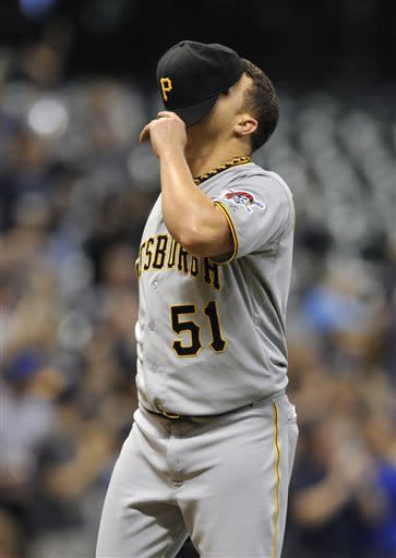 Gallardo homers, Brewers hit 5 to top Pirates 10-4