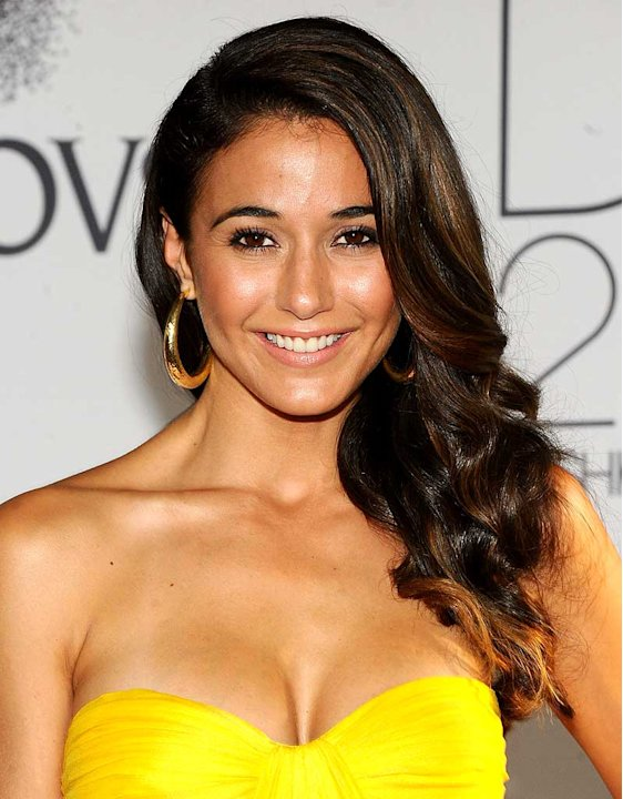 Emmanuelle Chriqui CFDA Fashion Aw