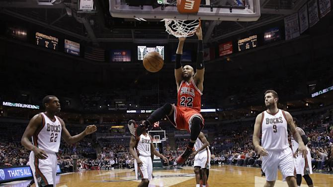 Boozer leads Bulls to 81-72 win over Bucks