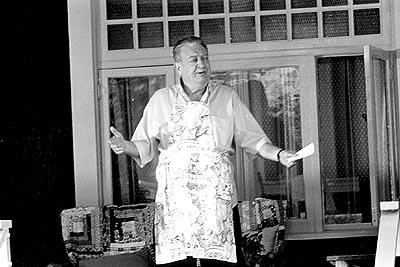 Rodney Dangerfield as Monte in Artisan's My 5 Wives