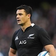 Dan Carter hs been passed fit to face England on Saturday