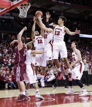 No. 4 Wisconsin beats Eastern Kentucky 86-61