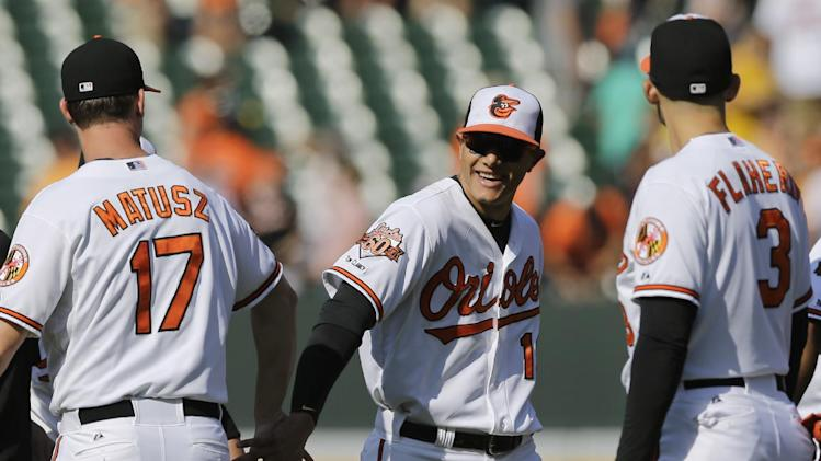 Machado, Cruz hit HRs as Orioles beat Indians 4-2