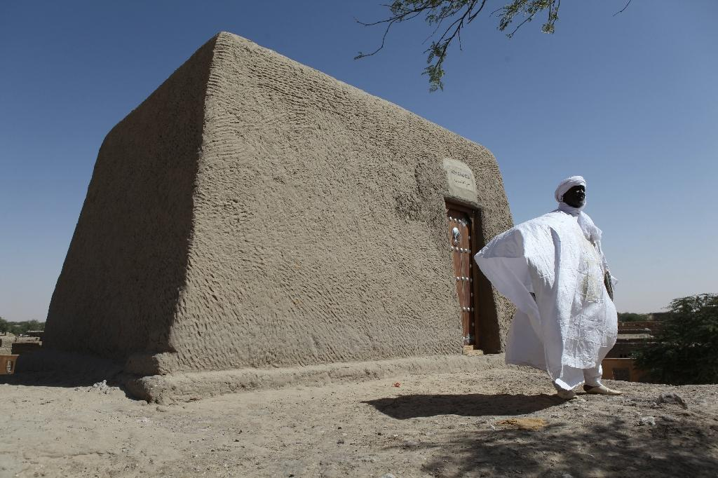 Jihadists attack Timbuktu a day after mausoleum ceremony