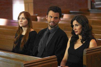 New show Casual demands to be watched all at once. Naturally, Hulu's releasing it weekly.